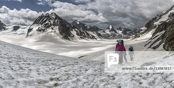 Switzerland  Pennine Alps  Mountaineers at the Otemma Glacier