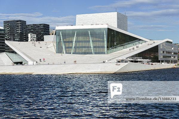 Norwegen  Oslo  neues Opernhaus  Oslofjord
