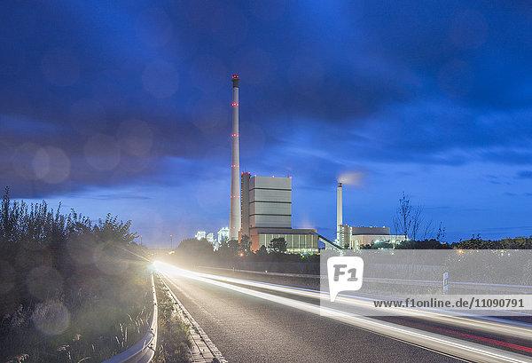 Deutschland  Niedersachsen  Helmstedt  Kraftwerk Buschhaus am Abend