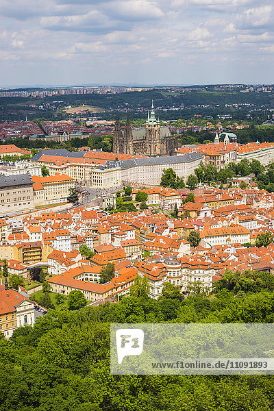 Prag  Nove Mesto  Altstadt  Mala Strana mit Prager Burg