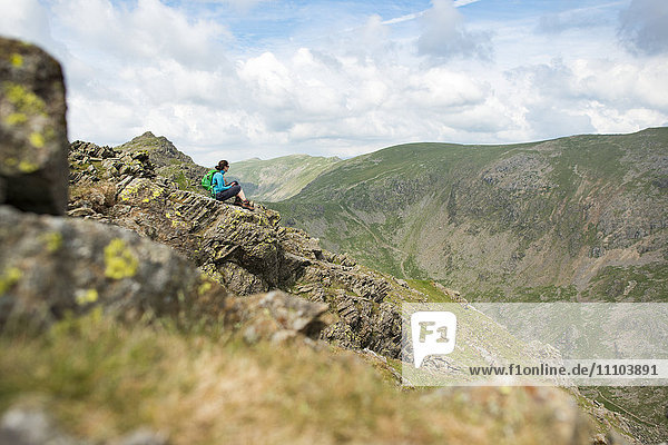The trail to The Old Man of Coniston in the Lake District National Park  Cumbria  England  United Kingdom  Europe