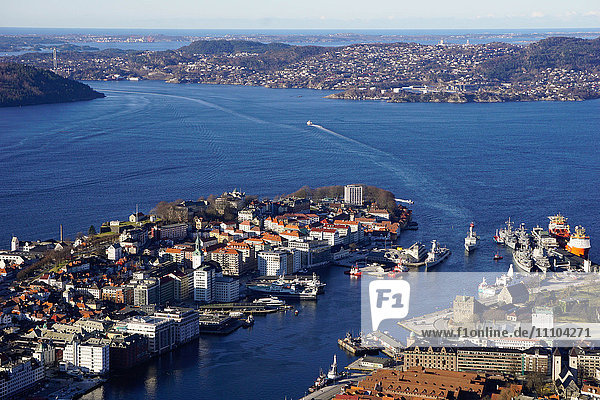 View of Bergen from Mount Floyen  Bergen  Hordaland  Norway  Scandinavia  Europe