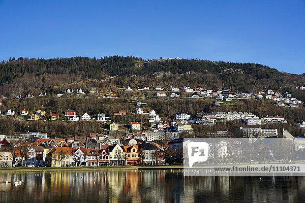 View to Mount Floyen  Lille Lungegard lake  Bergen  Norway  Scandinavia  Europe
