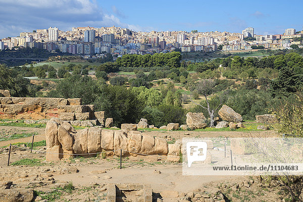 Atlas Statue  Valley of the Temples  Agrigento  UNESCO World Heritage Site  Sicily  Italy  Europe