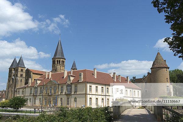 Europe  France  Saone et Loire  Paray.le-Monial  Sacre Coeur Basilic