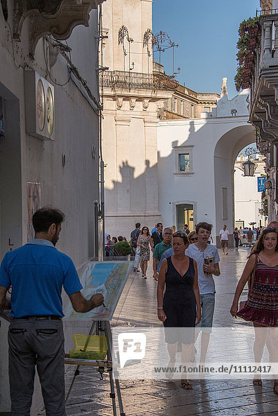 Europe  Italy  Apulia  Martina Franca  painter in old town