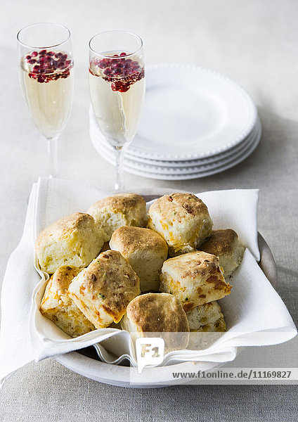 Biscuits in bowl with champagne