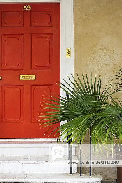 USA  South Carolina  Charleston  doorway in the historical district USA, South Carolina, Charleston, doorway in the historical district