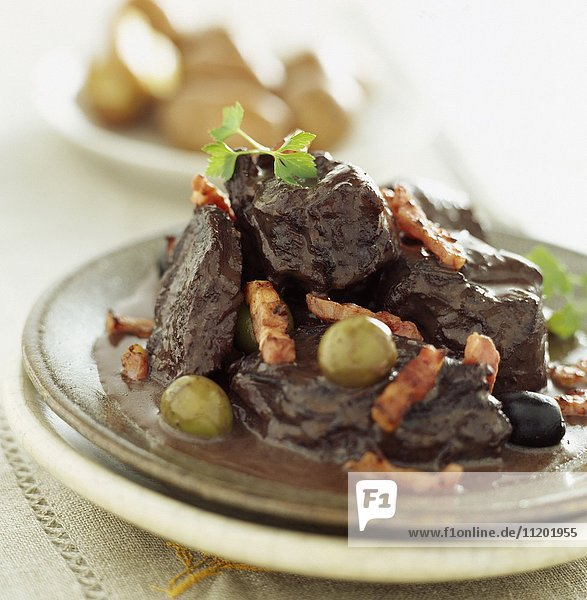 Beef estouffade with olives