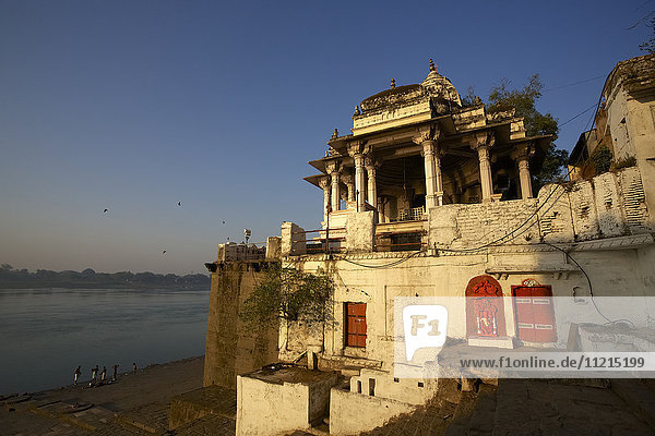 Hindu temple on the banks of The Namada River  Maheshwar  Madhya Pradesh  India