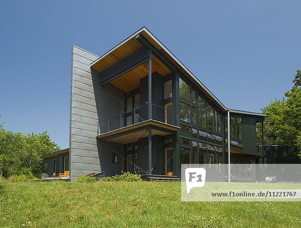 Modern Home in Blue Hill  Maine