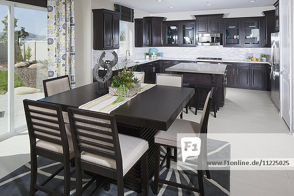 Open plan of kitchen and dining area