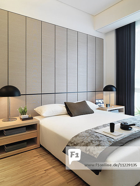 Balanced modern bedroom