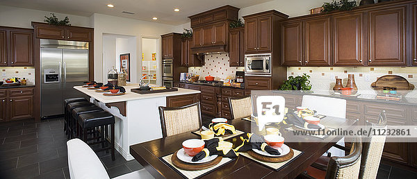 Interior of a contemporary dining room and kitchen