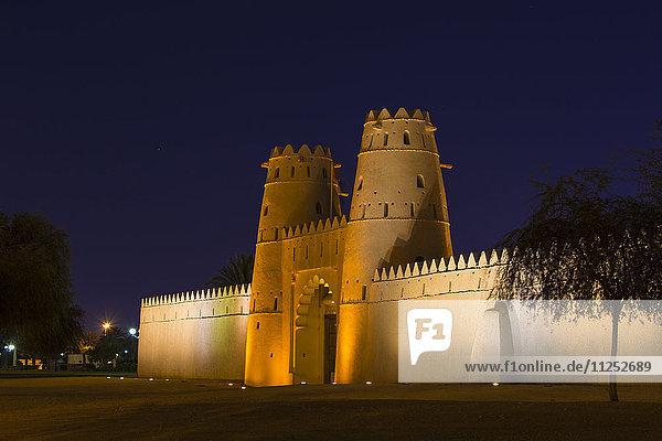 Al Jahili Fort at night  Al Ain  UNESCO World Heritage Site  Abu Dhabi  United Arab Emirates  Middle East