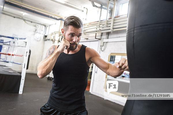 Boxertraining am Boxsack