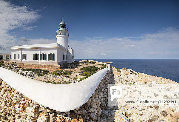 Soain  Menorca  Leuchtturm am Cap de Cavalleria Soain, Menorca, Leuchtturm am Cap de Cavalleria