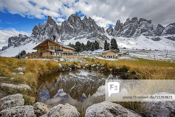 Italien  Südtirol  Geisler-Gruppe bei Sonnenuntergang