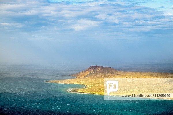 Blick auf Isla La Graciosa  Kanarische Inseln  Spanien  Europa Blick auf Isla La Graciosa, Kanarische Inseln, Spanien, Europa
