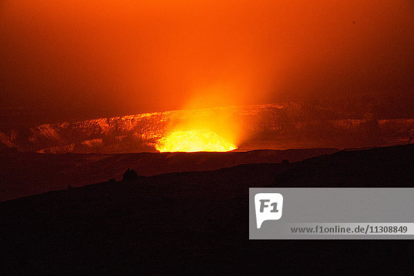 Big Island  Kilauea  volcano  Caldera  Vulcanoes  National Park  Big Island  USA  Hawaii  America  Volcanical  lava