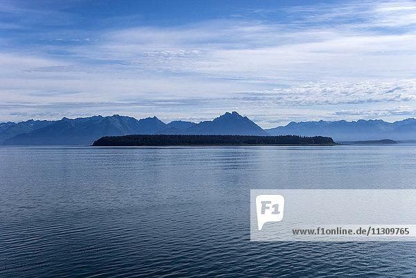 beardslee  islands area  glacier bay  national park  Alaska  USA  mountains  water