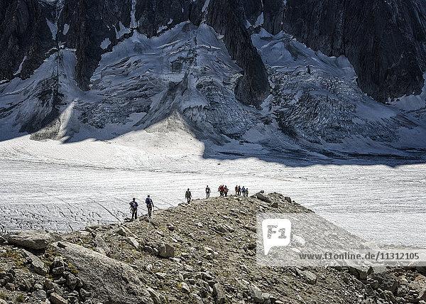 Frankreich  Chamonix  Argentiere Gletscher  Bergsteigergruppe