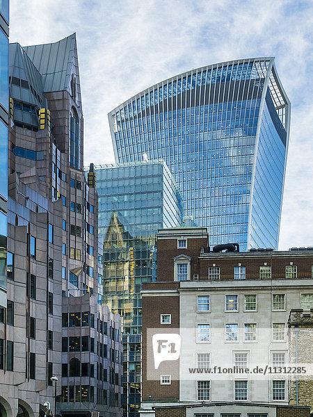 UK  London  Finanzbezirk mit 20 Fenchurch Street im Hintergrund