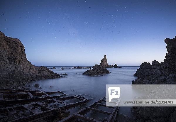 Spanien  Almeria  Arrecife de Las Sirenas bei Nacht