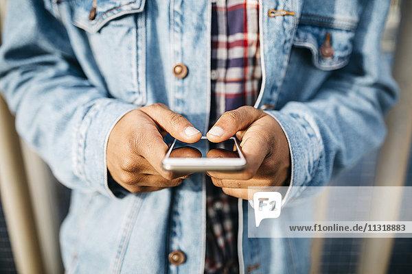 Männerhände Textnachrichten
