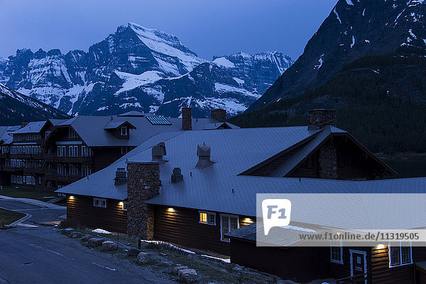 many glacier lodge  glacier national park  montana
