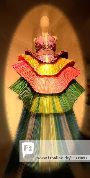 Fashion  silk  creations  material  clothes  clothing  evening gowns  designer  Roberto Capucci  museum  villa Bardi  art  concepts