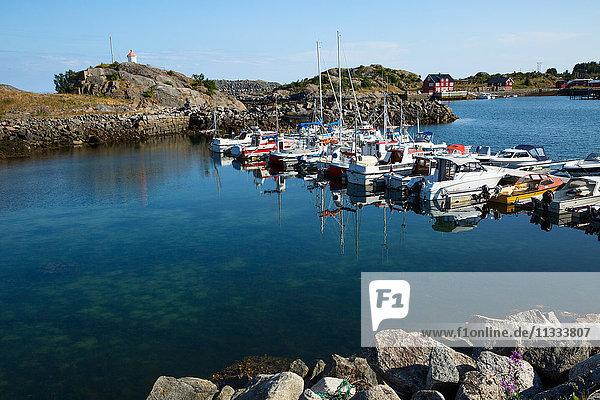 Europe  Norway  Lofoten  Vestvagoy  a little village of fishermen