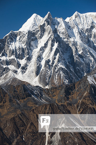 Peaks seen from the top of the Larke La  the highest point of the Manaslu circuit trek  Nepal  Himalayas  Asia