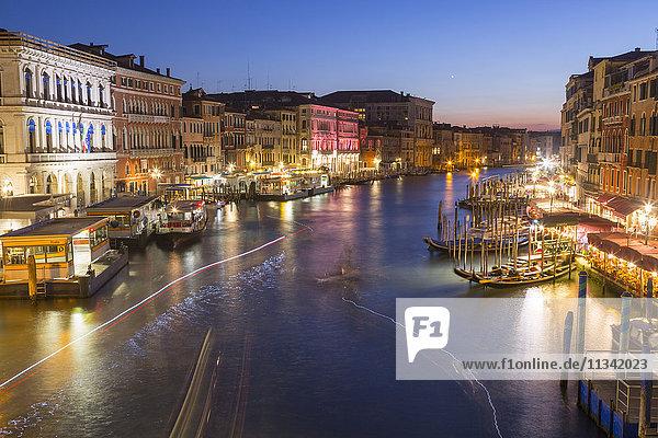 Grand Canal at dusk  Venice  UNESCO World Heritage Site  Veneto  Italy  Europe