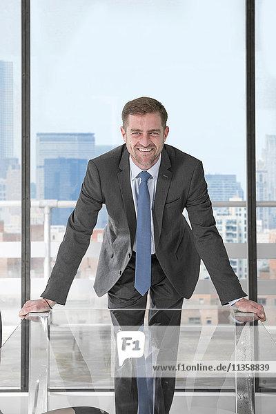Amtierender Geschäftsmann