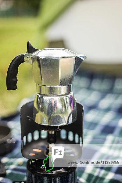 Kochfeld-Espressomaschine auf Campingkocher  Fondo  Trentino  Italien