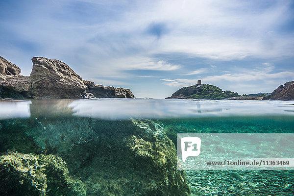 Oberflächenansicht der Wasseroberfläche  Chia  Sardinien  Italien