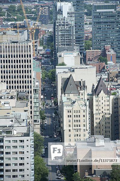 Kanada. Provinz Quebec  Montreal. Die Stadt vom Aussichtspunkt des Mount Royal aus gesehen. Rue de la Montagne