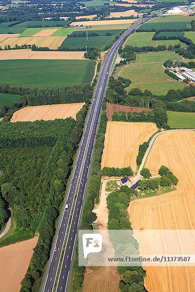 Frankreich  Bretagne  Morbihan. Luftaufnahme. RN 165