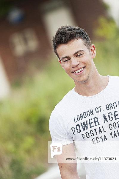 Young man wearing t-shirt