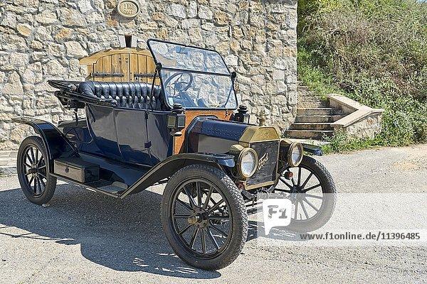 Oldtimer Ford T Runabout  Baujahr 1913  4 Zylinder  Hubraum 2700 ccm  2 Vorwärtsgänge  Halbautomat  20 PS  72 km/h
