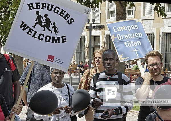 Demonstration welcoming refugees  Stuttgart  Baden-Württemberg  Germany  Europe
