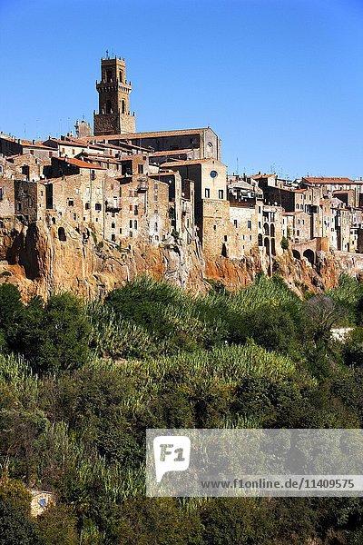 Pitigliano  hillside village  Tuscany  Italy  Europe