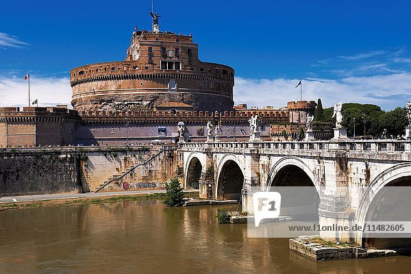 Sant Angelo Castle  Sant Angelo Bridge  River Tiber  Sant Angelo Castel  Mausoleum of Hadrian  Rome  Lazio  Italy.