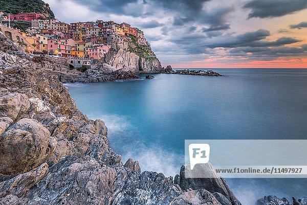 Manarola  Cinque Terre  Province of La Spezia  Liguria  Italy  Europe.