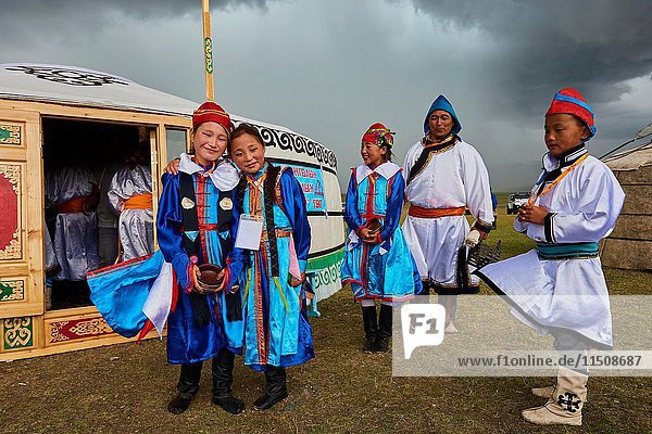 Mongolia  Uvs province  western Mongolia  nomads in the steppe  wedding festival  Dorvod ethnic group.