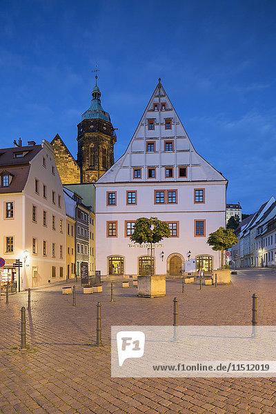 Market Square and St Marien Church at dusk  Pirna  Saxony  Germany