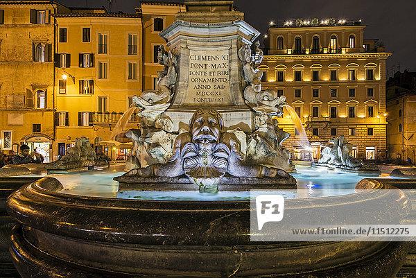 Night view of the fountain in Piazza della Rotonda  Rome  Lazio  Italy