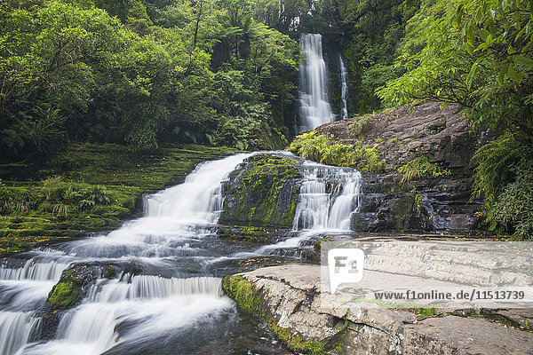 McLean Falls on the Tautuku River  Chaslands  near Papatowai  Catlins Conservation Area  Clutha district  Otago  South Island  New Zealand  Pacific