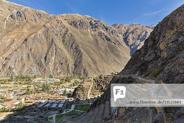 Peru  Anden  Urubamba-Tal  Inka-Ruinen von Ollantaytambo  Terrassen